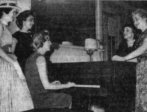 1960 Mary Bowe Hosts Sisters of John F. Kennedy During the U.S. Presidential Campaign